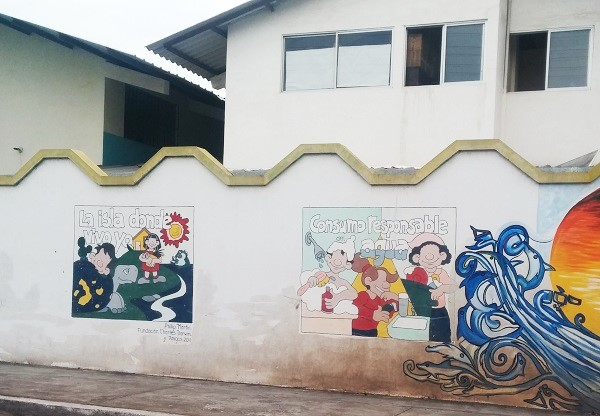 Murals in Puerto Ayora offer lessons about taking care of water and the environment | Galapagos Travel with GeoEx