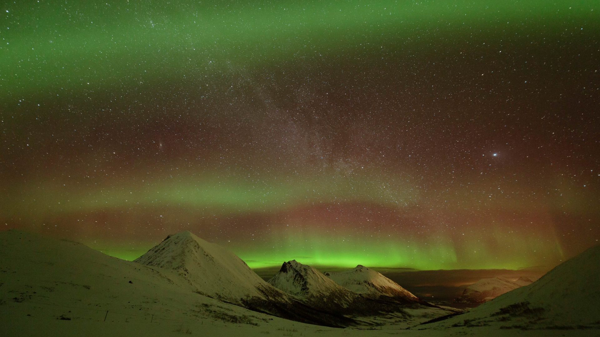 The aurorea borealis in Norway, Arctic train journeys with GeoEx