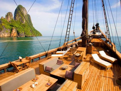 Silolona ship sailing Indonesian waters, luxury cruises with GeoEx