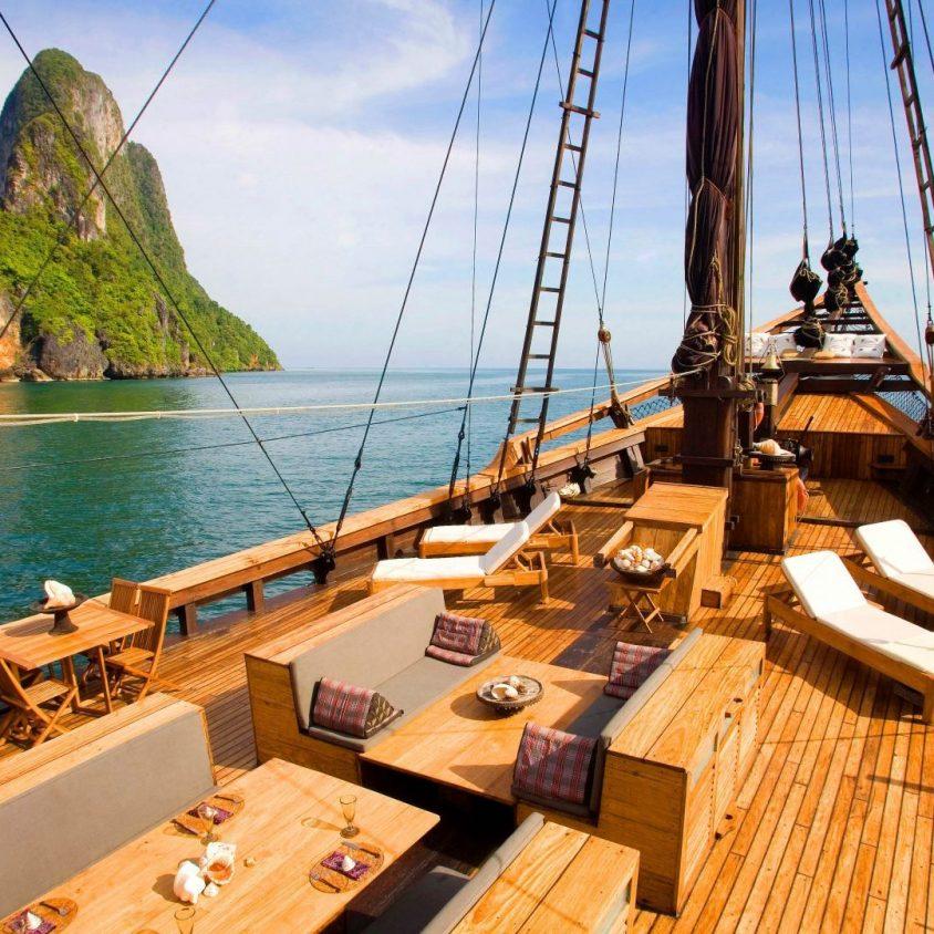 Silolona ship sailing Indonesian waters, luxury cruises with GeoEx