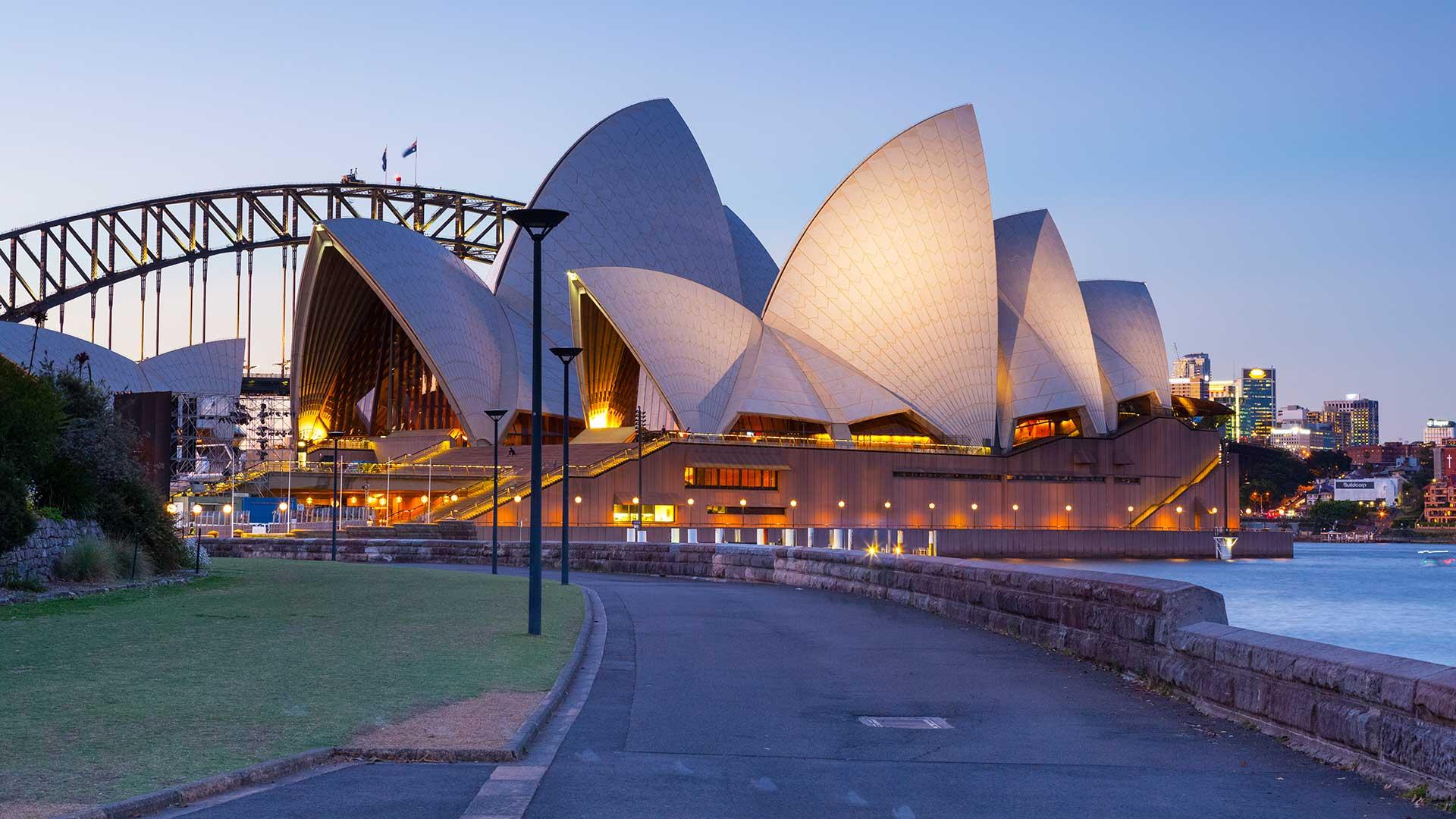 Sydney Opera House and Harbor Bridge, Darling Harbor, Sydney, Australia