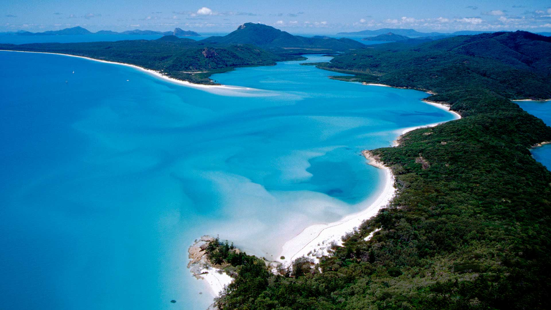 The Whitsunday Islands, National Park. Hill Inlet from the air, part of the Great Barrier Reef