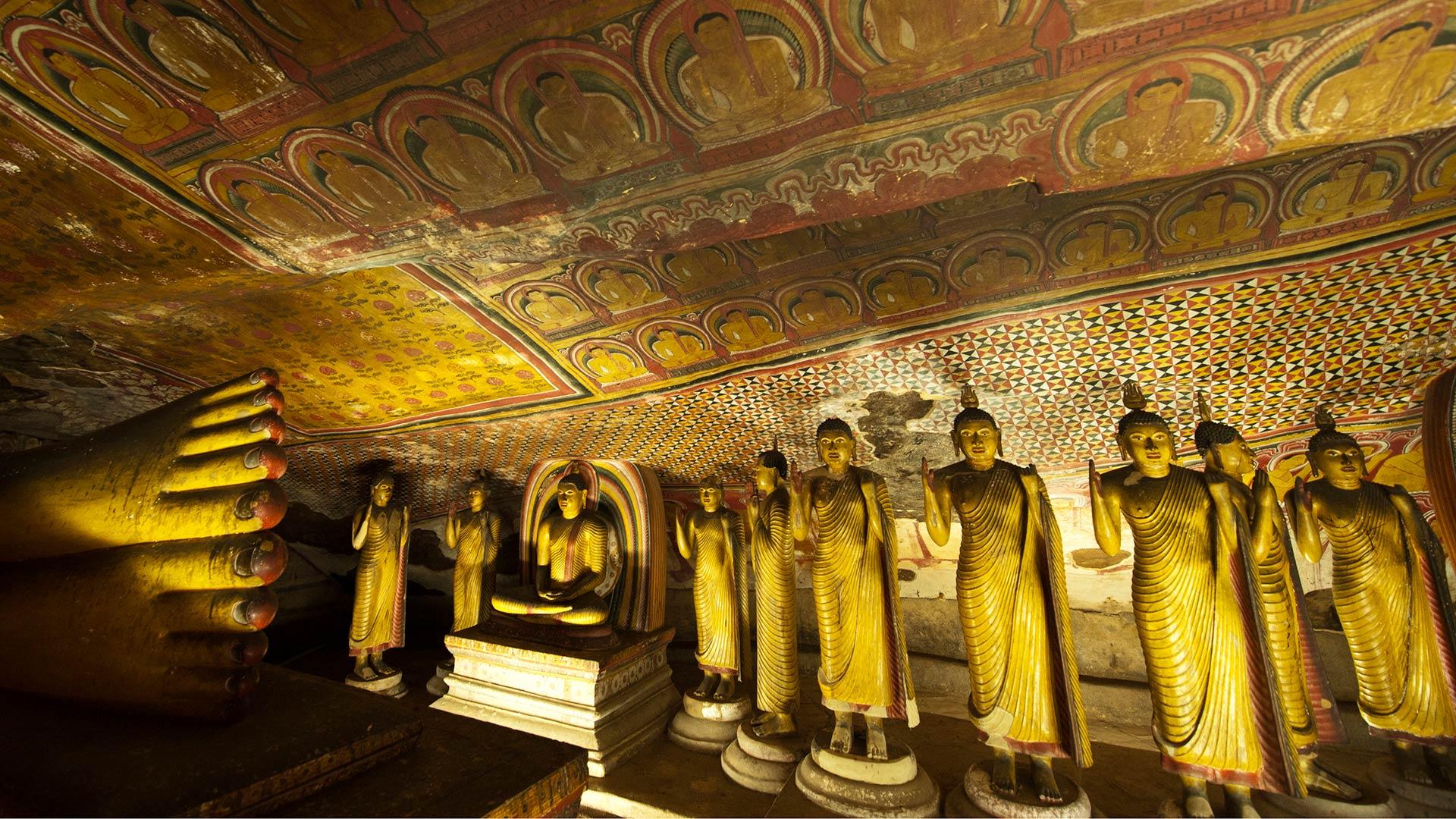 Buddha statues in Dambulla Cave Temple, Sri Lanka