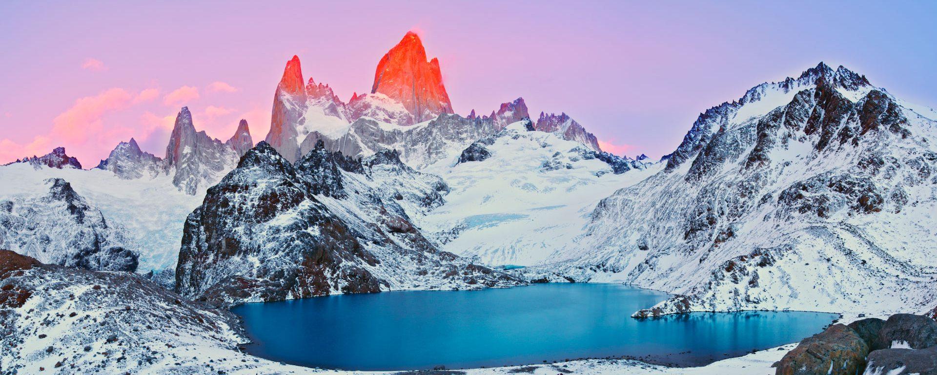 Sunrise on Mount Fitz Roy and Laguna de los Tres, Los Glaciares National Park, Patagonia, Argentina