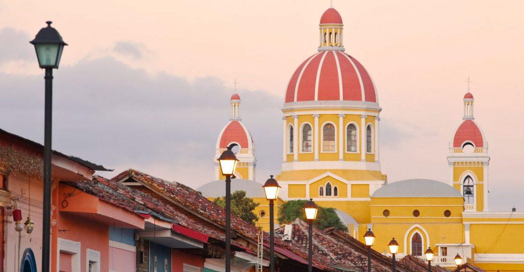 Calle La Calzada and Cathedral de Granada, Granada, Nicaragua
