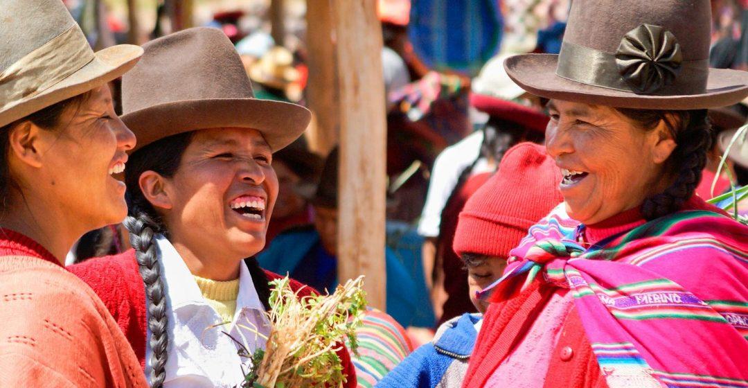 Quechua Indian women at Sunday market, Chinchero, Urubamba Valley, Peru