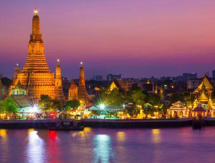 Wat Arun, the Temple of Dawn, at sunset, Bangkok, Thailand