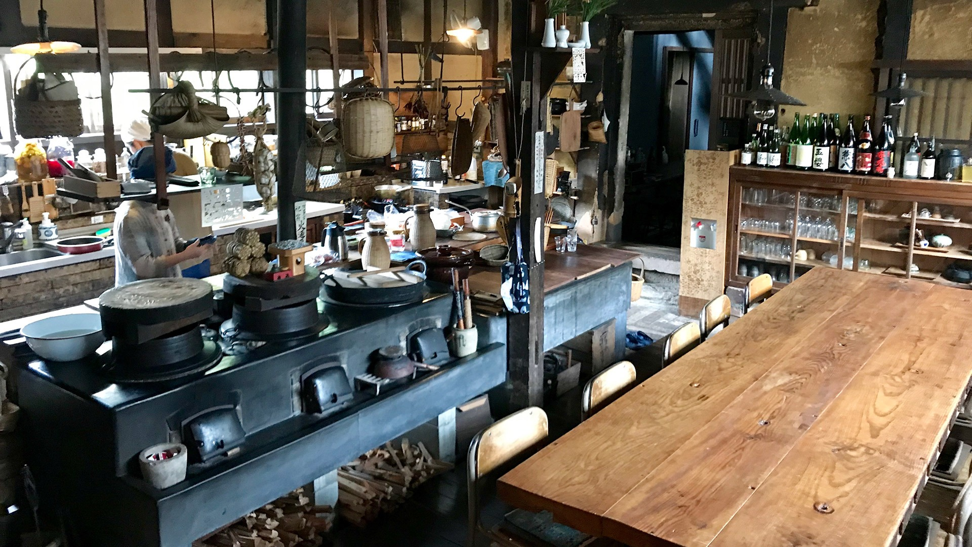 The kitchen and dining area of Takyo Abeke in Omori, Japan