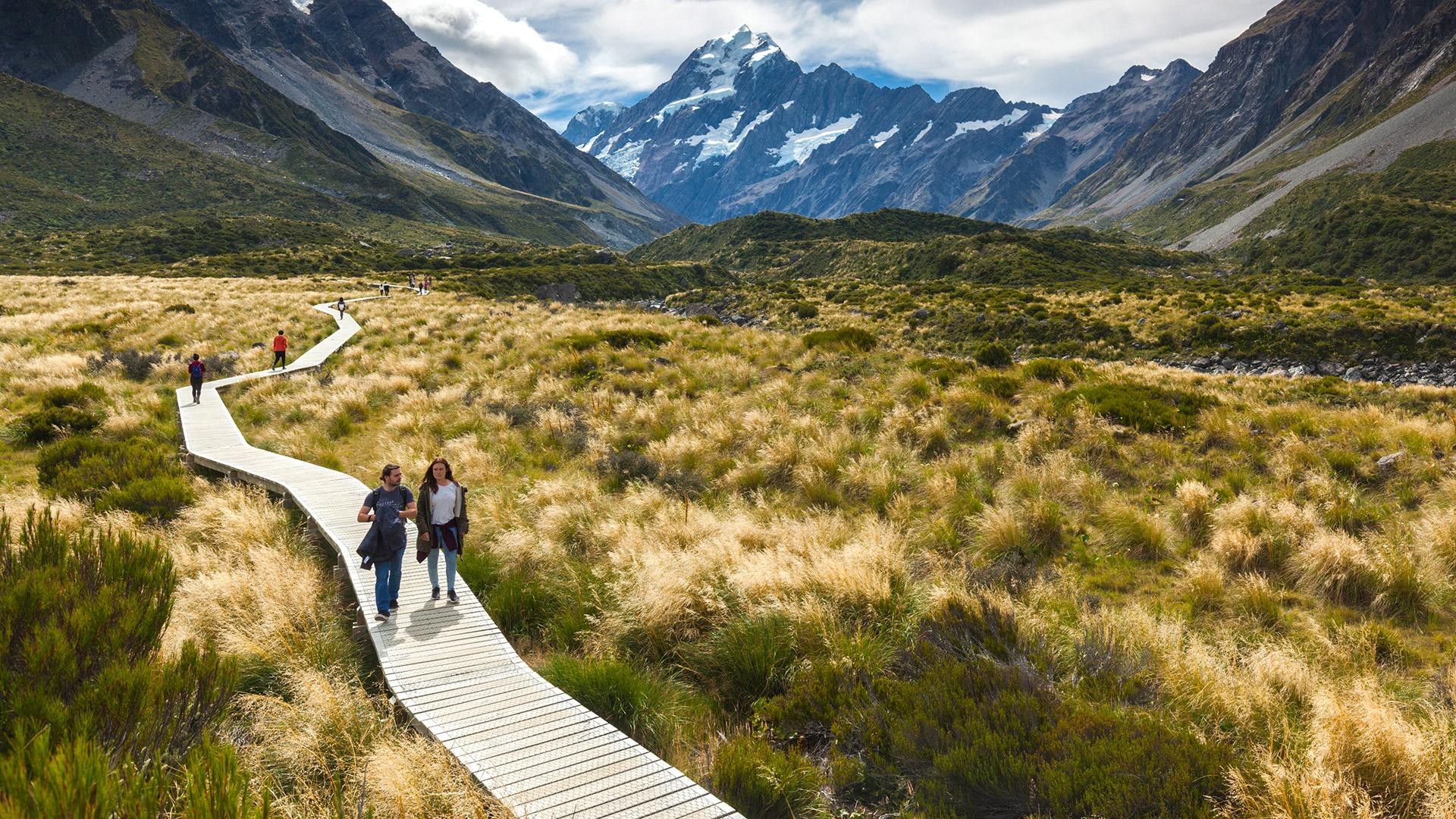 Hooker Valley hike in Aoraki-Mt. Cook National Park, New Zealand
