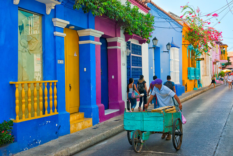 Colorful colonial houses in the old town of Cartagena, Colombia