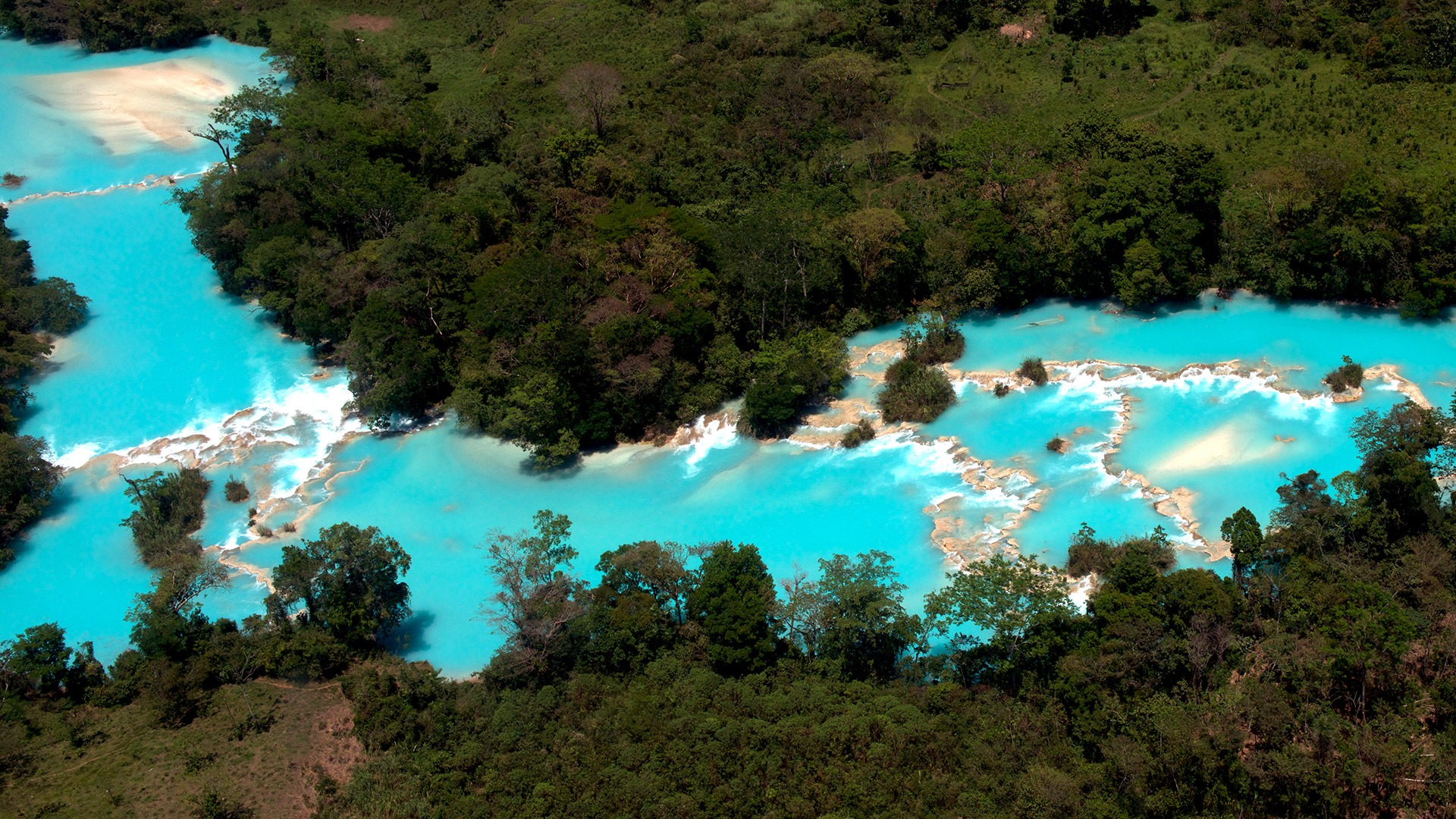 Turquoise waters of El Chiflon waterfall in Chiapas, Mexico