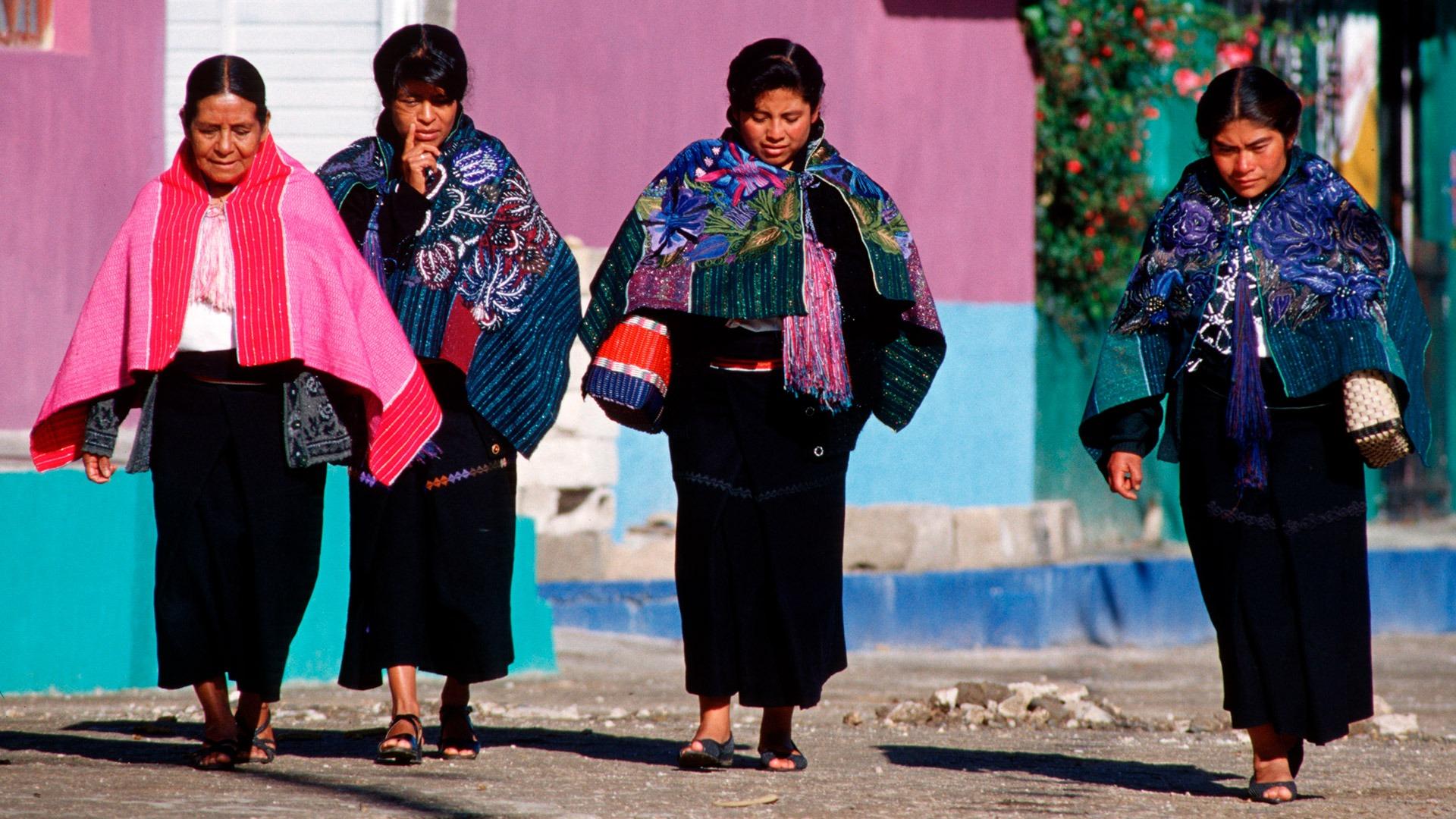Tzotzil Maya women in Zinacantan, Mexico